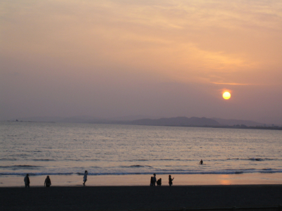 おおっきな江ノ島の夕日